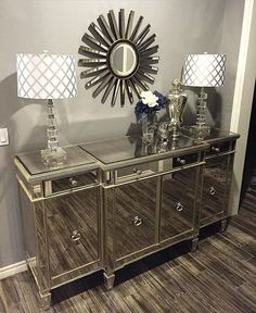 Love this console and lamps! Just need some touches of purple and real!