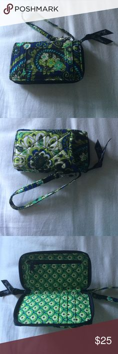 Vera Bradley Wristlet NWOT GREEN & BLUE PATTERNED VERA BRADLEY WALLET. WRIST STRAP, 3 CREDIT CARD SLOTS, 1 MONEY POCKET, ZIPPER COIN POUCH, & OUTSIDE ID SLOT. Vera Bradley Bags Clutches & Wristlets