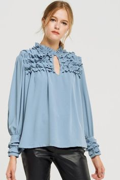 Shirts&Blouse - ALL CLOTHING - Shop Discover the latest fashion trends online at storets.com 40s Fashion, Fashion Sewing, Fashion Outfits, What To Wear Today, Latest Fashion Trends, Shirt Blouses, Blouses For Women, Ruffle Blouse, Office Attire