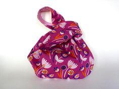 Projektbeutel Knotentasche Blume lila rosa Tasche  von frostpfoetchen auf DaWanda.com