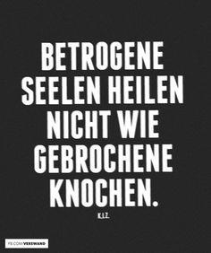 Deutsch Rap Zitate C B Betrogene Seelen Heilen Nicht Wie Gebrochene Knochen K I Z Rapper Zitate