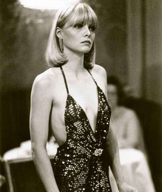 Michel Pfeiffer en slip dress dans le film Scarface en 1983