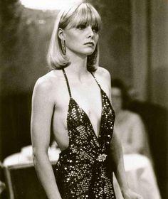 Michel Pfeiffer en slip dress dans le film Scarface en 1983