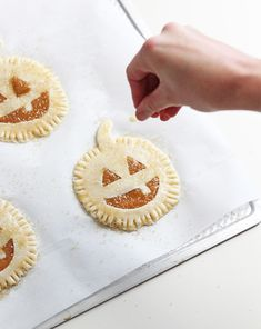 Get the recipe for these adorable Halloween Hand Pies on Building Blocks!