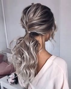 wedding hair videos Pretty hairstyles like this one are life savers! Prom Hairstyles For Long Hair, Wedding Hairstyles For Long Hair, Bride Hairstyles, Messy Hairstyles, Pretty Hairstyles, Hairstyle Ideas, Hairstyle Wedding, Hairstyle Braid, Hair Ponytail
