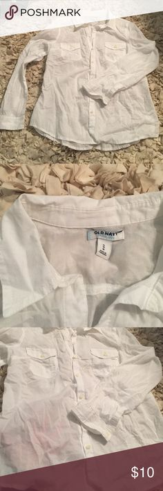 Woman's Medium semi sheer white button down shirt Woman's Old Navy Medium Semi Sheer White Botton Down Top. Super soft. Only worn once. Will need a cami or something under bc as shown it's fairly sheer. Perfect basic top. Old Navy Tops Button Down Shirts