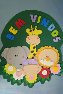 l Retirado do blo. Birthday Wall, First Birthday Party Themes, Preschool Classroom Decor, Preschool Crafts, Activity Sheets For Kids, Activities For Kids, Maleficent Art, Professor, Crafts To Make