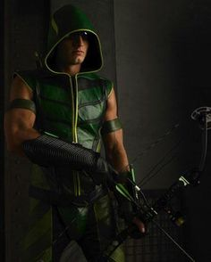 Green Arrow, Smallville.   Justin Hartley: the only Green Arrow I want to watch!