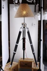 High Quality Wood Aluminum with Fabric Lampshade Tripod Floor Lamp on Made-in-China.com
