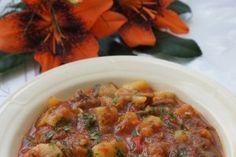 Mancare de ciuperci si cartofi in sos de rosii - Culinar.ro Cheeseburger Chowder, Chili, Soup, Chile, Soups, Chilis