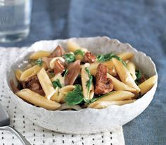 Pasta With Brie, Mushrooms, and Arugula