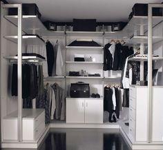 Vestidor de la colección Kosmos en acabado blanco y canto de aluminio.