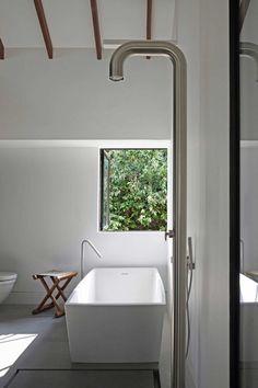 Boffi Pipe shower and Boffi Minimal bath spout Modern Bathroom Design, Bathroom Interior Design, Bathroom Designs, Interior Modern, Modern Luxury, Boffi, Minimalist Bathroom, Design Furniture, Beautiful Bathrooms