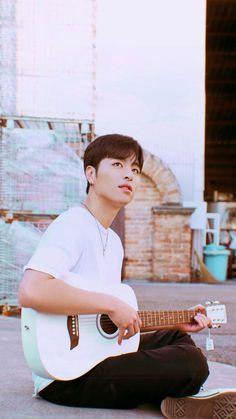 Ikon Junhoe, Kim Hanbin, Ikon Member, Ikon Wallpaper, Yg Entertainment, Boyfriend Material, South Korean Boy Band, Aesthetic Wallpapers, Boy Bands