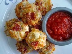 Gridiron Girl: Beyond the X's & O's: Tailgate Tuesday: Pepperoni Pizza Puffs