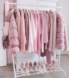 Pretty in pink Pink aesthetic rack Pretty In Pink, Rosa Style, Pink Wardrobe, Pink Closet, Wardrobe Clothing, Mode Rose, Baby Pink Aesthetic, Aesthetic Gif, Aesthetic Grunge