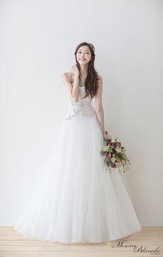 화사한 이미지 여성스러운 튤 소재 드레스 Korean Wedding Photography, Weeding Dress, Bridal Style, Wedding Ceremony, Wedding Hairstyles, Lace Dress, Fashion Dresses, Flower Girl Dresses, Hair Styles