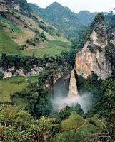 Waterfall of Tajumbina, located in the National Park of Doña Juana, Nariño… Colombian Cities, Colombian Culture, Colombia Travel, Colombia South America, South America Travel, Travel Around The World, Around The Worlds, Country Landscaping, Waterfalls