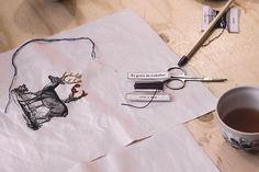 """O projecto """"A avó veio trabalhar"""", da designer Susana António e do psicólogo Ângelo Campota, pega nos lavores tradicionais e coloca-os em boas mãos"""