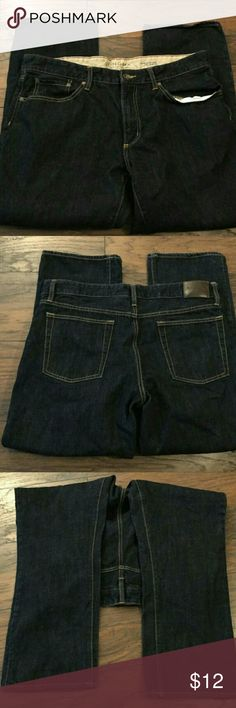 SONOMA MEN'S SIZE 36X29 BOOTCUT JEANS SONOMA MEN'S SIZE 36X29 BOOTCUT JEANS  These are a great condition pair of denim jeans from Sonoma Life & Style. These are a MEN'S SIZE 36x29. These are a very dark blue wash. These are pre-owned and light signs of use should be expected. Sonoma Jeans Bootcut