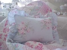 TWIN SHABBY BELLA BLUE PINK ROSES COTTAGE CHIC QUILT SET