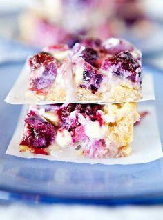 Mixed Berry Crumble Bars