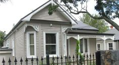house Weatherboard Exterior, Grey Exterior, Exterior Paint Colors For House, Exterior Colors, Modern Cottage, Modern Farmhouse, Facade House, House Facades, Grey House White Trim