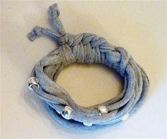 Grey marl bracelet with silver beads (14B)