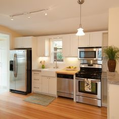 Small, clean kitchen. Perfect!