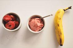 Strawberry Banana Sorbet: Hello, your new summertime treat! Just two ingredients make up the creamiest, freshest gluten free and… Vegan Gluten Free Desserts, Gluten Free Treats, Vegan Recipes, Snack Recipes, Dessert Recipes, Vitamix Recipes, Healthier Desserts, Dessert Ideas, Whole Food Desserts