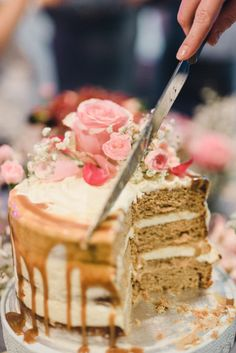 Vastustamaton Päärynä-Kinuskikakku on vastustamaton! Most Delicious Recipe, My Best Recipe, Sweet Desserts, Sweet Recipes, Just Eat It, Sweet Pastries, Piece Of Cakes, Desert Recipes, Party Cakes