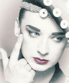 ♥♥♥ Solo Music, Music Icon, Culture Club, Rhythm And Blues, Boy George, Many Faces, Pop Bands, Beautiful Eyes, Reggae