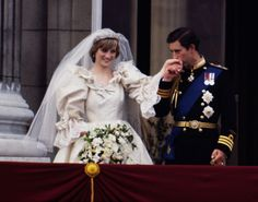 """Prince Charles and Lady Diana: Oh, what a day! The fairytale wedding of Prince of Wales and Lady Diana Spencer will always be remembered. It was July when the entire world watched the """"wedding of the century"""" amid tremendous magnificence and grandeur Prince Charles Et Diana, Prince Charles Wedding, Charles And Diana Wedding, Prince William, Prince Andrew, Prince Edward, Princess Diana Wedding Dress, Princess Diana Photos, Princes Diana"""