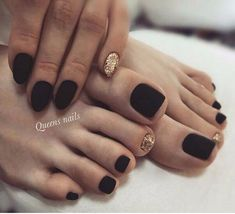 Matching Manicure And Pedicure Ideas That Are Currently Trending - Nails - Black Toe Nails, Pretty Toe Nails, Cute Toe Nails, Pretty Toes, Fall Toe Nails, Halloween Toe Nails, Spring Nails, Manicure E Pedicure, Pedicure Designs