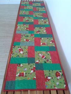 caminho de mesa com tecido de Papai Noel