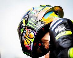 Agv Helmets, Motorcycle Helmets, Bicycle Helmet, Valentino Rossi 46, Vr46, Motogp, Tattoo Photos, F1, Motorcycles