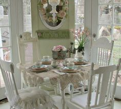 Shabby Chic, Flea Markets, Cooking, Spending Romantic Time with My Hubby, Re-purposing. Estilo Shabby Chic, Shabby Chic Style, Shabby Chic Decor, Vintage Decor, Shabby Chic Kitchen, Shabby Chic Cottage, Cottage Style, Romantic Kitchen, White Cottage