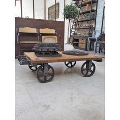 Table basse roues en fonte