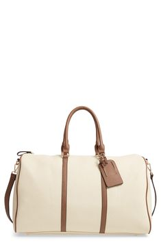 Looking for Sole Society Lacie Faux Leather Duffle Bag ? Check out our picks for the Sole Society Lacie Faux Leather Duffle Bag from the popular stores - all in one. Types Of Handbags, Small Handbags, Fashion Handbags, Fashion Bags, Women's Fashion, Butterfly Bags, Duffle Bag Travel, Duffle Bags, Travel Bags