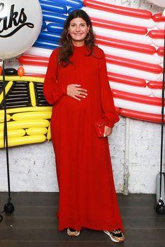 fda6424d60d Fashionable tricks of the pregnant Giovanna Battaly-Engelbert celebrity  fashion street style  celebrity