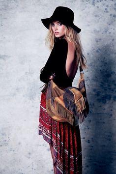 Red hippie skirt // boho fringe bag