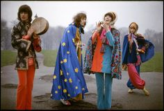The Fool, London, design collective whose creations were sold at Apple Boutique on in the Vintage Street Fashion, 60s And 70s Fashion, Weird Fashion, Mod Fashion, Psychedelic Fashion, Feelin Groovy, Swinging London, Linda Mccartney, Fashion Designer