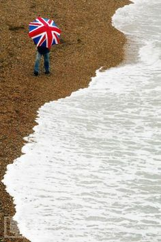 Union Jack brolly - please Santa, may I have one too!?