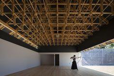 射箭馆与拳击俱乐部的超赞木结构 http://www.gooood.hk/Archery-Hall-Boxing-Club-FT.htm Archery, Boxing Club, Timber Structure, Hall, Superficial, Projects, Architecture Details, Public Spaces, Tokyo Japan