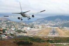 Avec des pistes ultra courtes ou dans des conditions g�ographiques extr�mes, certains a�roports du monde peuvent se vanter de fournir un sacr� spectacle � leurs passagers � l'atterrissage.
