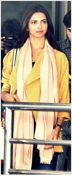 a candid of Deepika on the sets of Tamasha