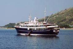 Voormalige Nederlandse Prinses Margriet  10 juni 2015 ten anker liggend op de rede van Omiš (Kroatië)  http://koopvaardij.blogspot.nl/2015/06/voormalige-prinses-margriet.html