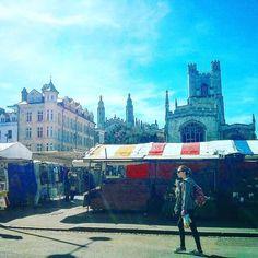 #AskAnAmbassador to where to go on a busy day like this in #Cambridge #marketsquare #hereitcomesthesun
