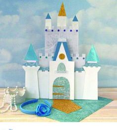 9 Dreamy Cinderella-Inspired Crafts to Do With Your Family: Print out Cinderella's castle! Cinderella Crafts, Cinderella Birthday, Cinderella Castle, Cinderella Decorations, Disney Diy, Disney Crafts, Walt Disney, Cardboard Castle, Cardboard Crafts