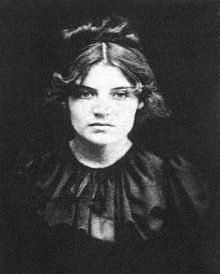 Suzanne Valadon French painter and artists' model who posed for Degas, Steinlen, Renoir, and Toulouse-Lautrec. Mother of Maurice Utrillo She never revealed who the father was, though Picasso's Catalan friend Miquel Utrillo signed a paternity document. Pierre Auguste Renoir, Jean Renoir, Edgar Degas, Henri De Toulouse Lautrec, Claude Monet, Women In History, Art History, William Glackens, Maurice Utrillo